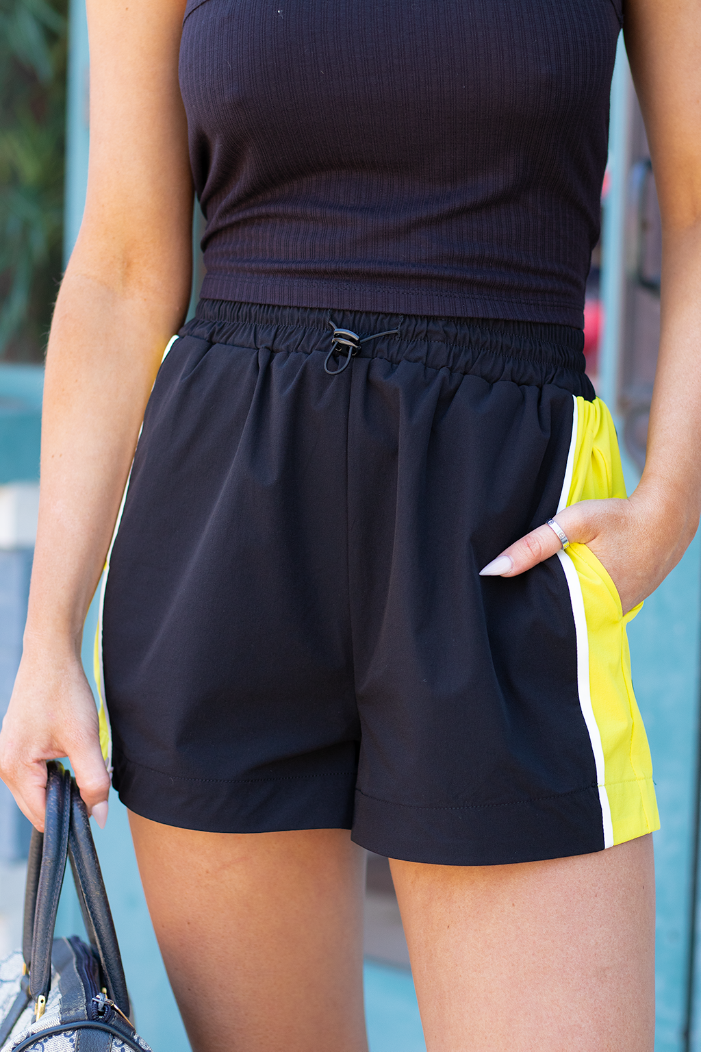 Monday Vibes Shorts, Black/Lime