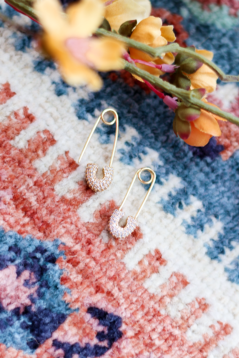 you all loved the silver earrings we had like these last week so we had to bring them in silver for our girls that prefer silver jewelry! These are so lightweight you will forget you have them in! You will get so many compliments!