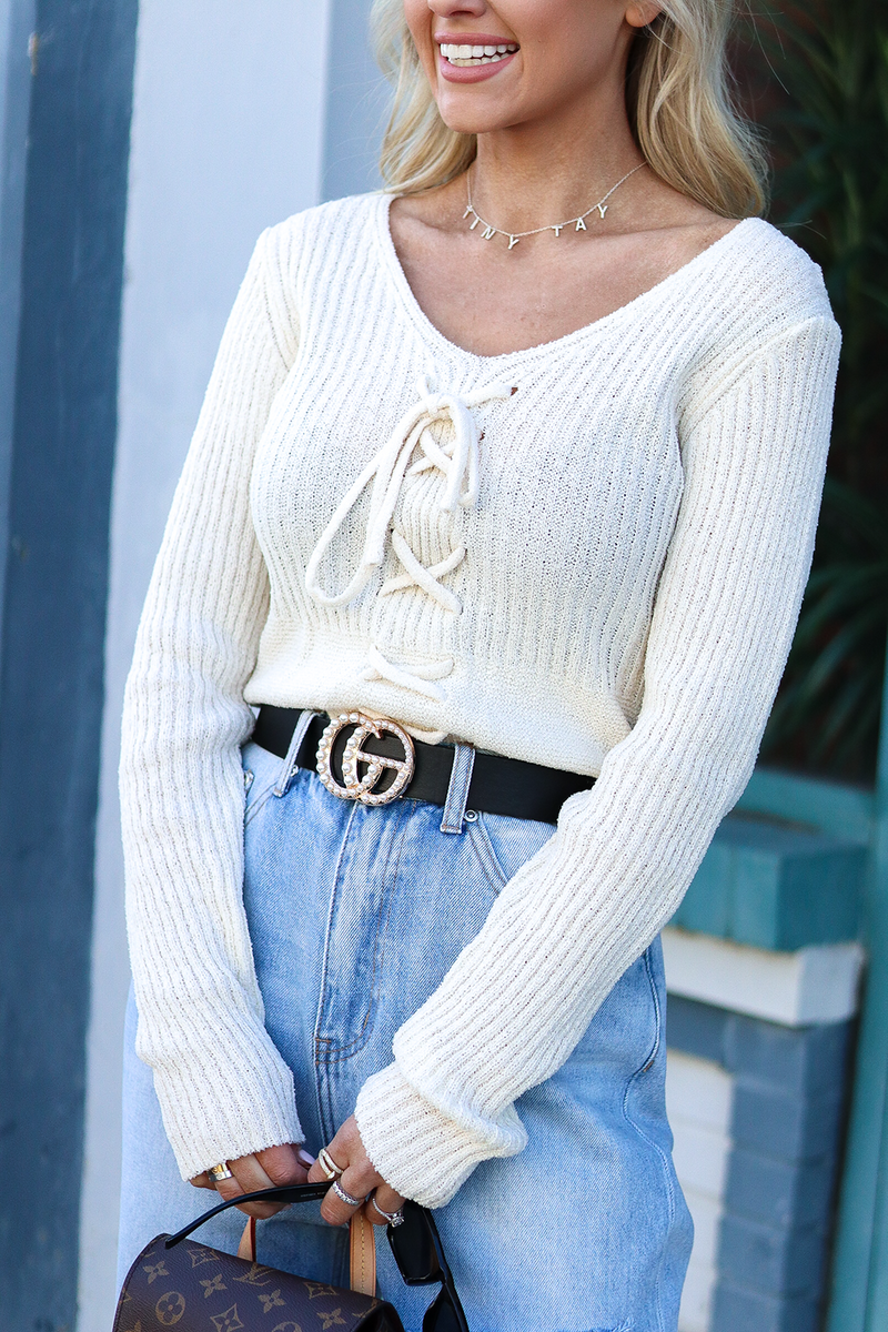 THIS ADORABLE BOHO CHIC IVORY SWEATER IS PERFECT FOR EVERYONE OF OUR BABES! SWEATER IS LIGHT WEIGHT AND SLIGHTLY CROPPED!