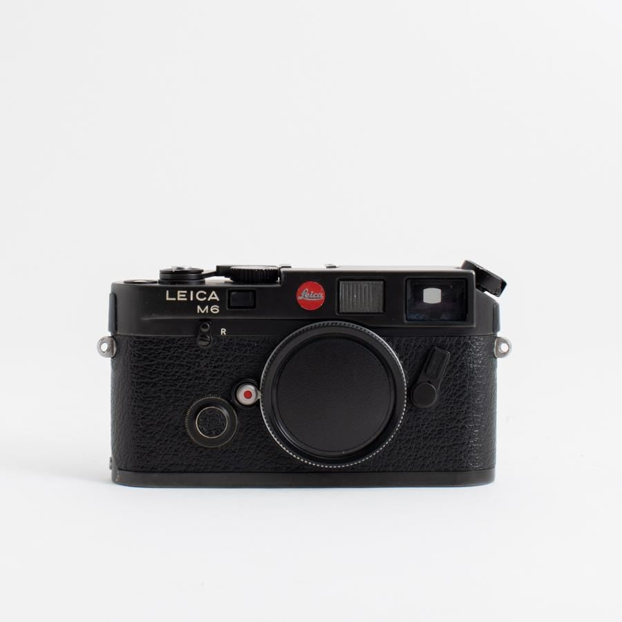 --Leica M6 Black (Body Only) no. 1795440--