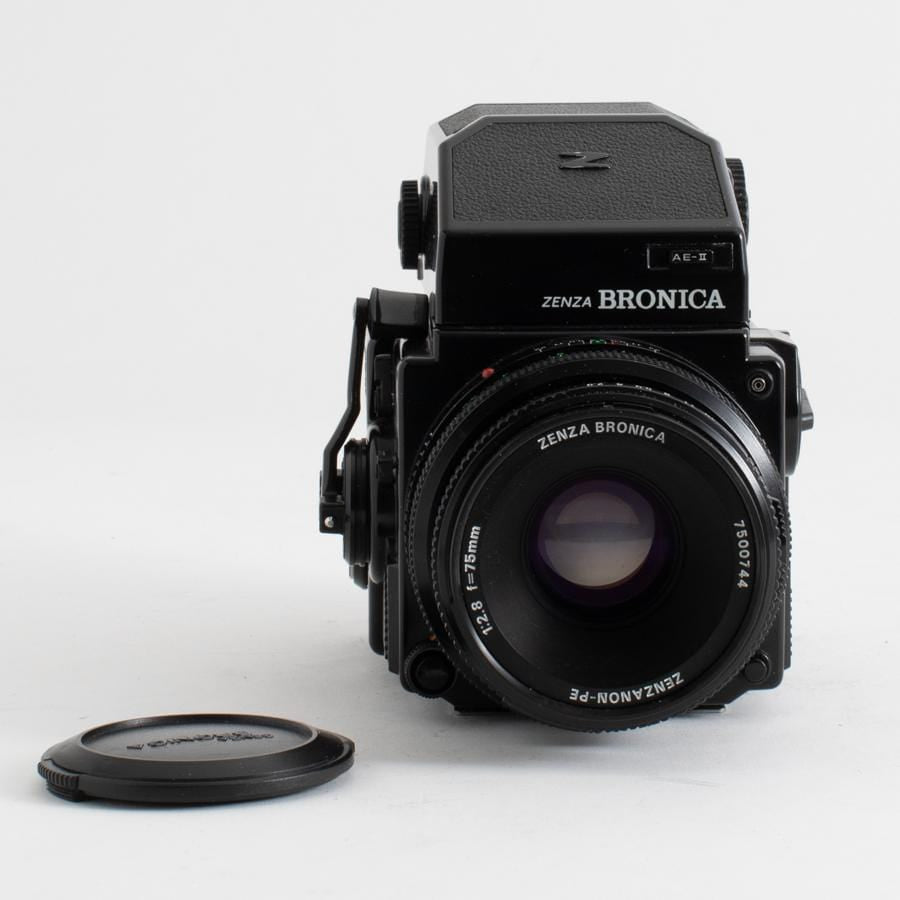 Zenza Bronica ETRSi with 75mm f/2.8 lens No. 7500744