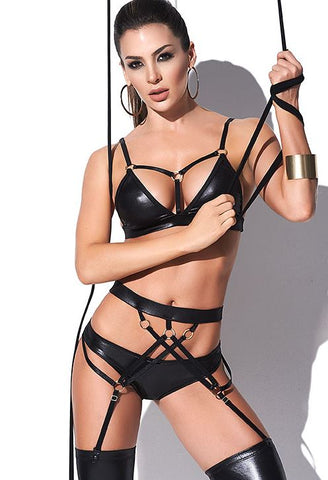 Strappy Pursuit