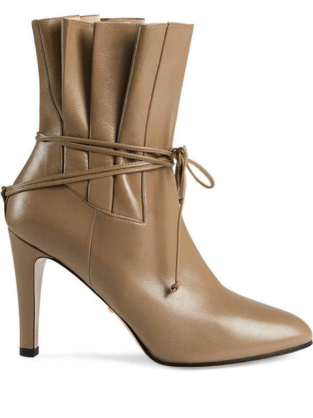 Gucci Leather Gathered Bow Detail Boots