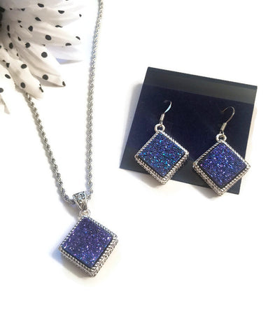 Gorgeous Blue Druzy Earring & Necklace Set