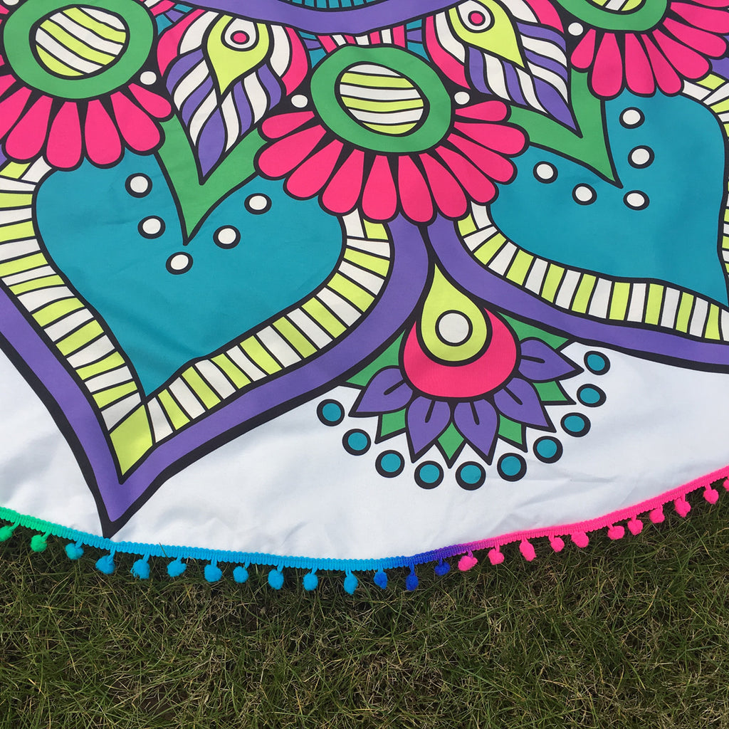 Bold Mandala Beach Blanket - Juicy Beach Wear