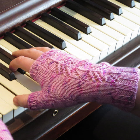 Holly's Willow Fingerless Mitts