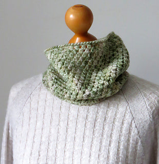 Bobble Stitch Cowl by Tracey Todhunter