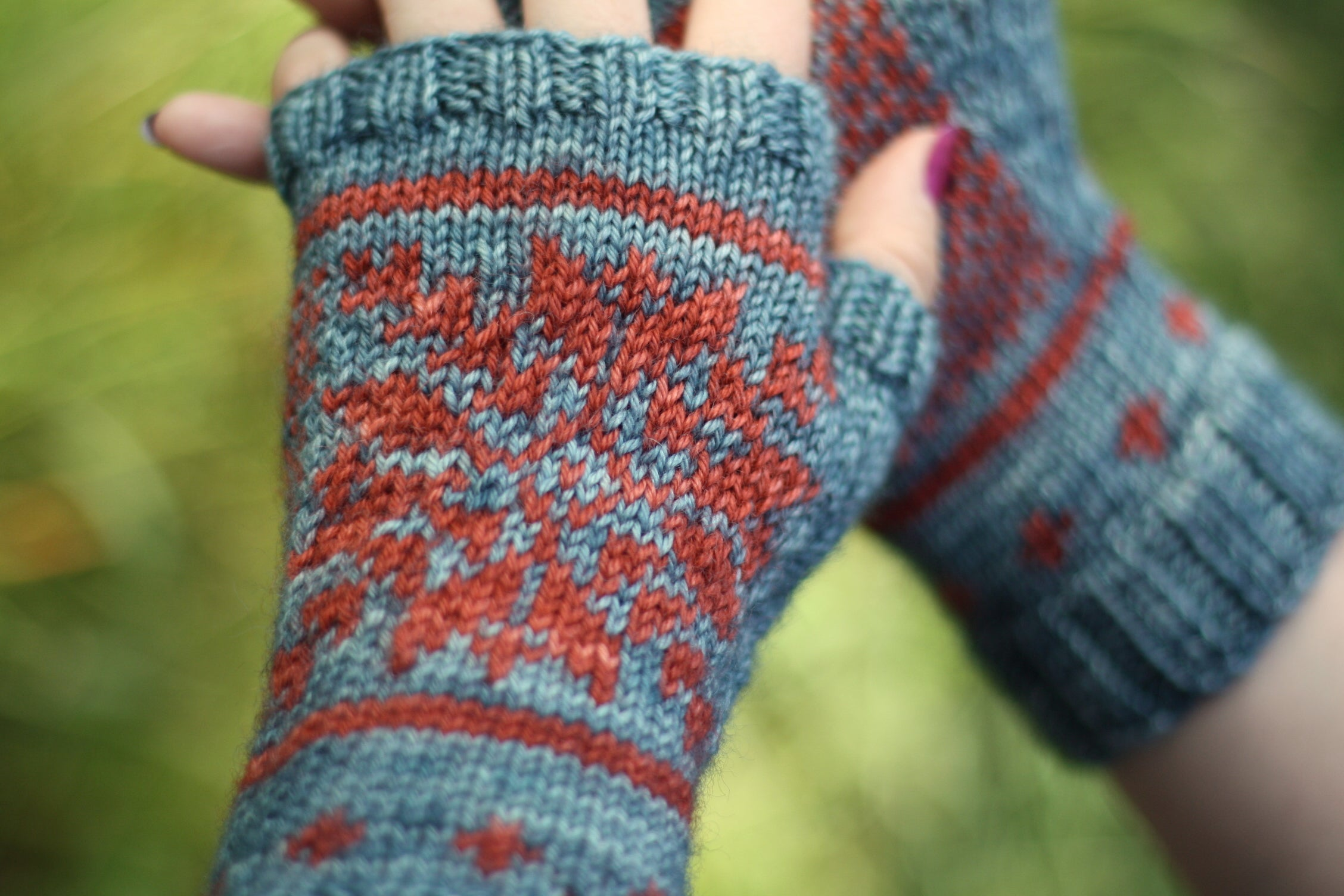 Castle Mitts by Victoria Magnus