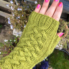 Hardcastle by Louise Tilbrook: knitted mitts kit