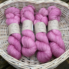 Pinky-purple yarn