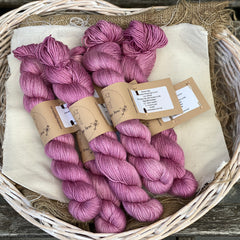 Bedale 4ply in Flowering Currant (Dyelot 130520)