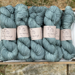 Green-blue yarn