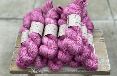 Pinky purple yarn
