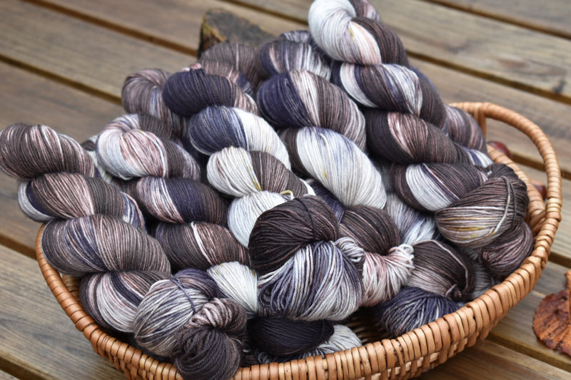 Pendle 4ply in Black Orchid (Dyelot 071019)