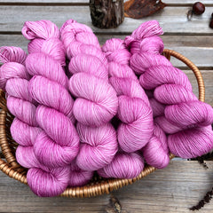 Pendle 4ply in Flowering Currant (Dyelot 071019)