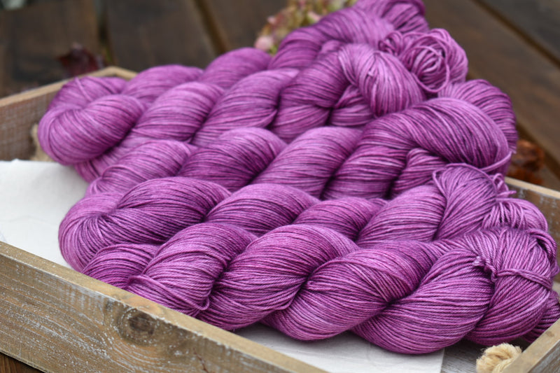 Titus 4ply in Buddleja (Dyelot 231019)