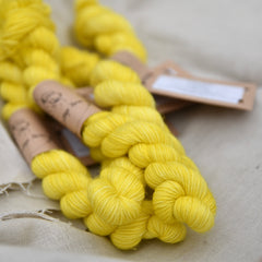 Brimham 4ply Mini Skein in Dandelion (Lot 060319)