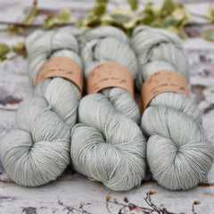 Titus Lace in Silver Birch (Dyelot 120917)