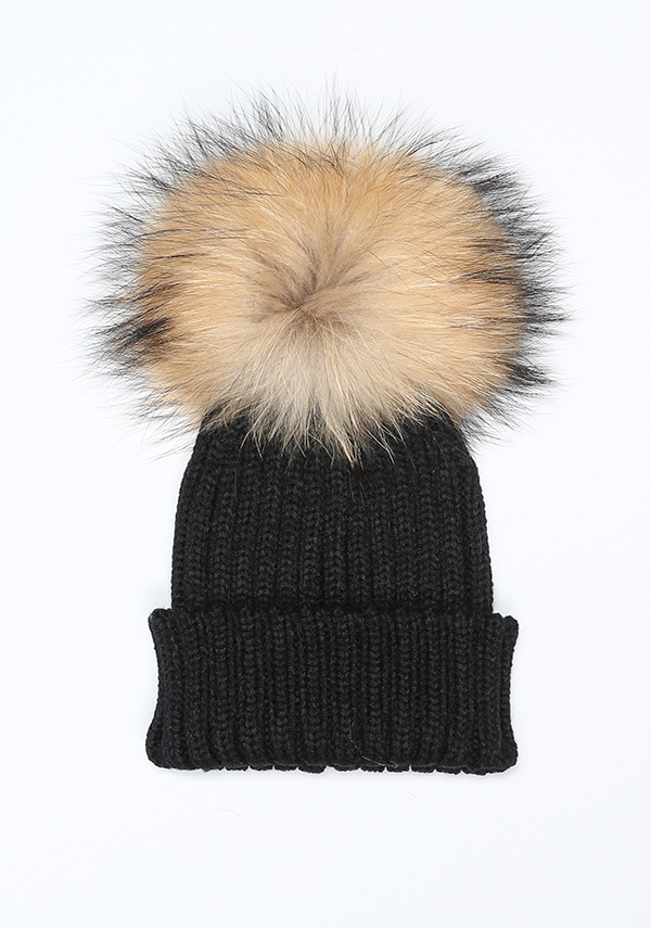 http://bobblebabies.co.uk/collections/pompom-bobble-hats/products/black-pom-pom-hat?variant=30754850180