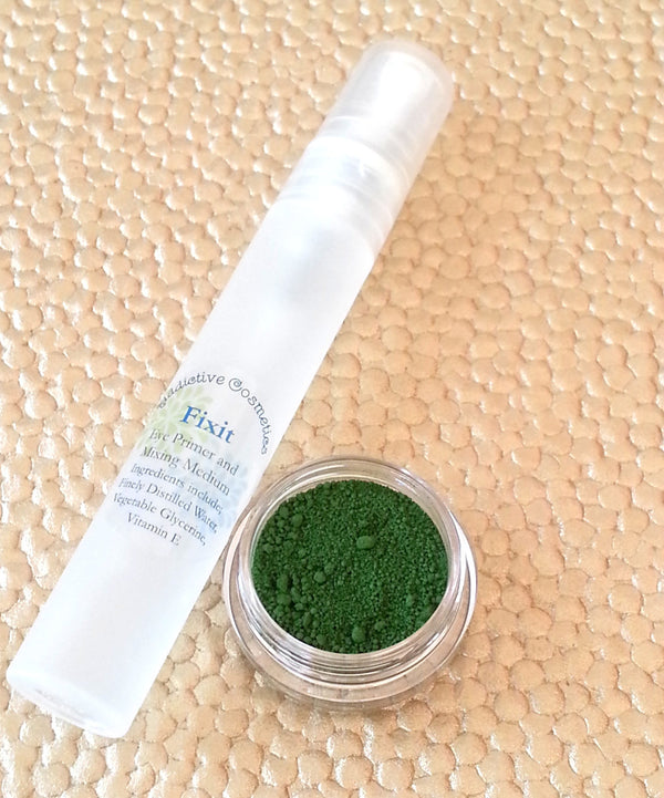 Green Eyeliner- DIY All Natural, Vegan Eyeliner in IVY