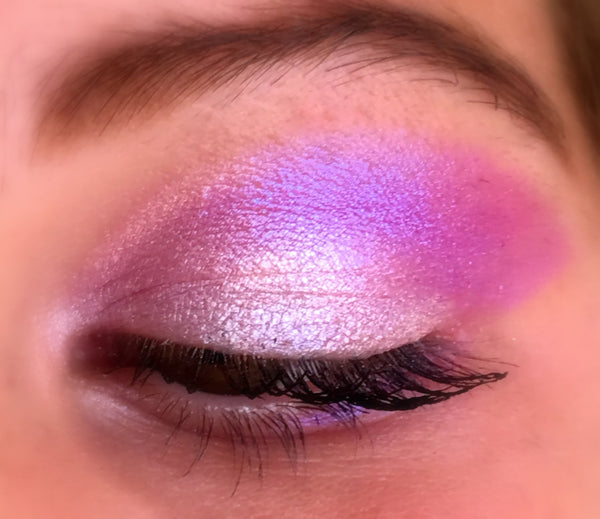 Get This Look- Duo of Mineral Eyeshadows in NUDE and FANTASMIC