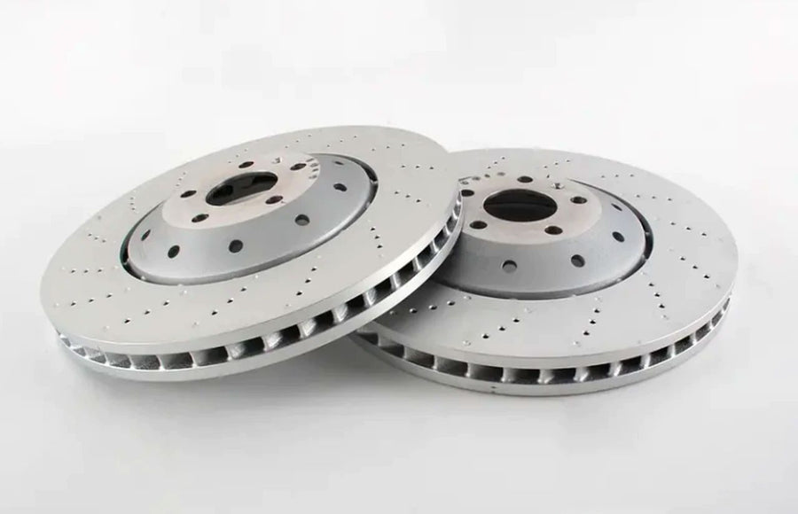 Audi RS4 Front Brake Discs and Pads Replacement [AUDI RS4 V8 FSI 32V B8 2012-2015]