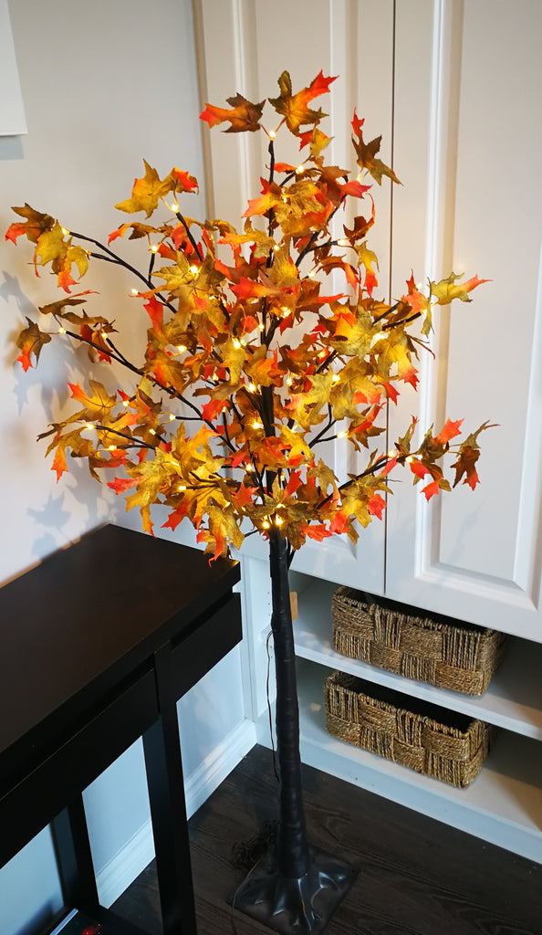 Lighted maple tree with Fabric Leaves - IDEC Sense