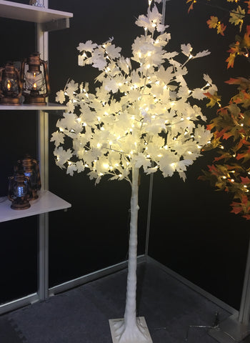 Lighted maple tree with white leaves - IDEC Sense