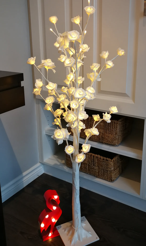 Lighted white rose tree S - IDEC Sense