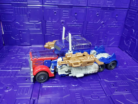 TRANSFORMERS DARK OF THE MOON VOYAGER CLASS OPTIMUS PRIME (BATTLE DAMAGED)