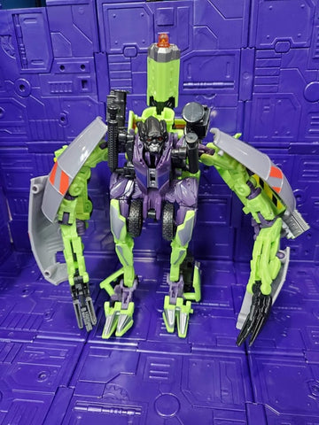 TRANSFORMERS REVENGE OF THE FALLEN VOYAGER CLASS MIXMASTER (G1 COLOR)