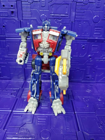 TRANSFORMERS DARK OF THE MOON DELUXE CLASS OPTIMUS PRIME