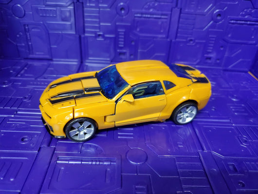 TRANSFORMERS REVENGE OF THE FALLEN DELUXE CLASS BUMBLEBEE