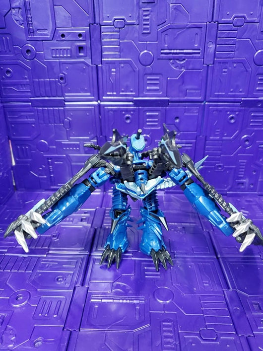 TRANSFORMERS AGE OF EXTINCTION DELUXE CLASS STRAFE