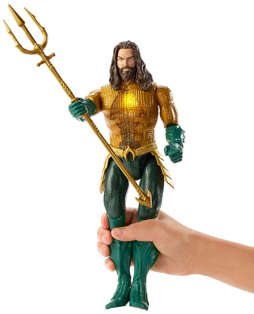 AQUAMAN Trident Strike Figure