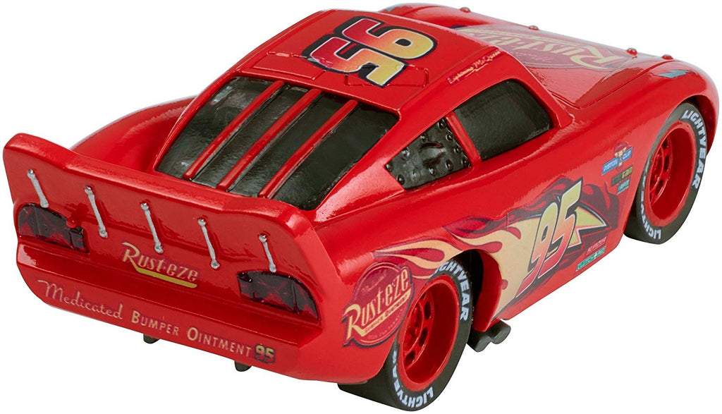 Disney/Pixar Cars 3 Lighting McQueen Die-cast Vehicle with Accessory