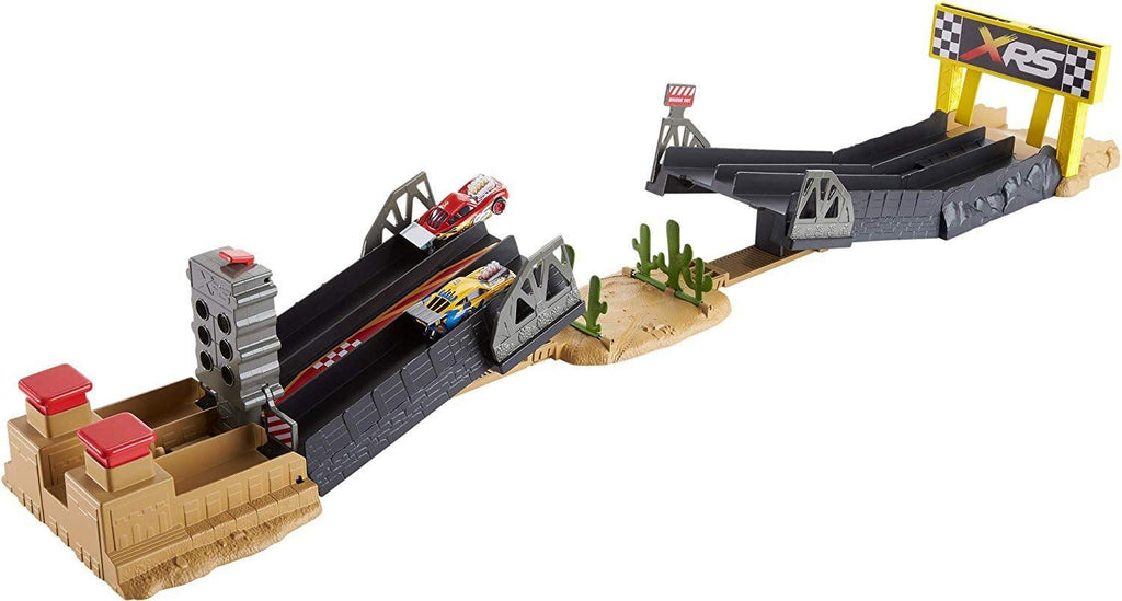 Disney Pixar Cars XRS Drag Racing Playset