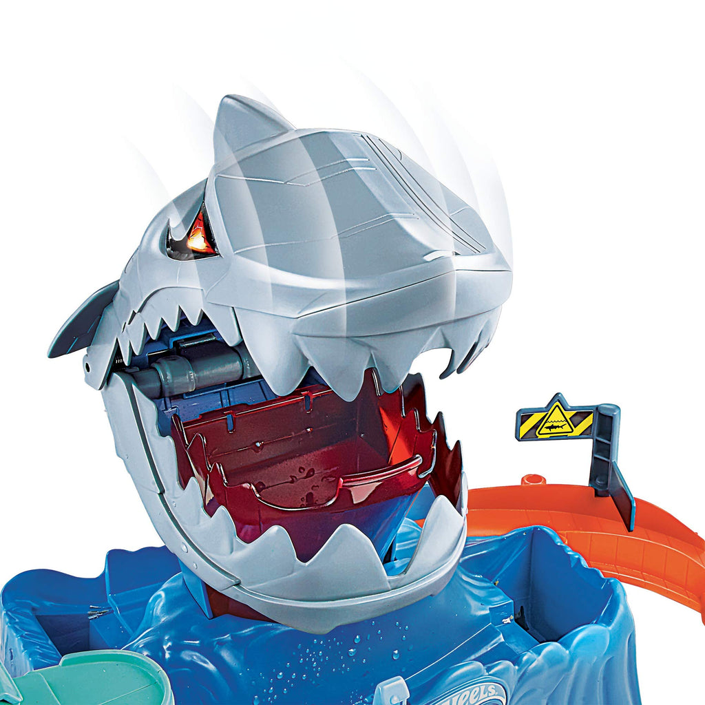 Hot Wheels City Color Changing Robot Shark Play Set