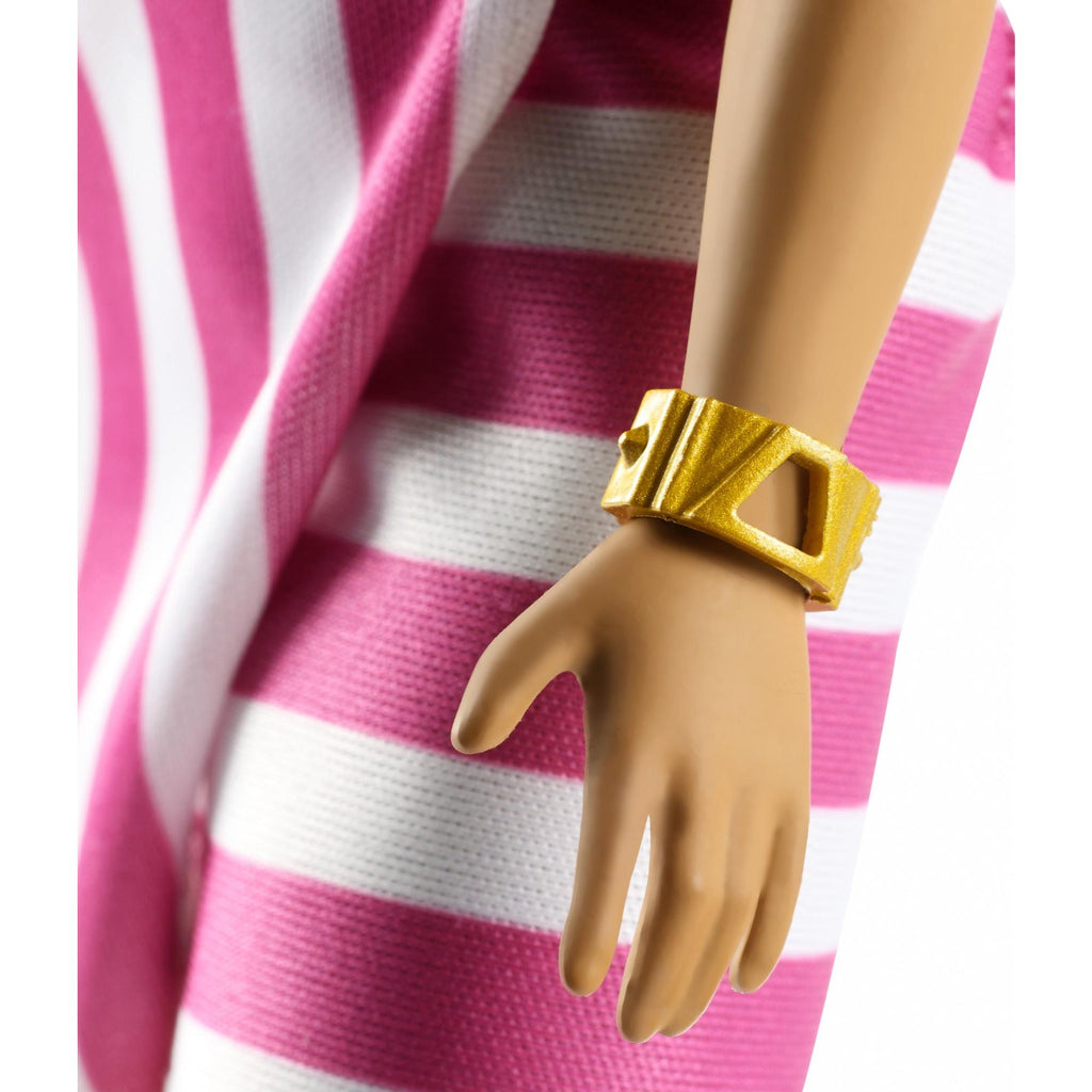 Barbie Fashionistas Doll, Curvy with Blonde Updo & Accessories