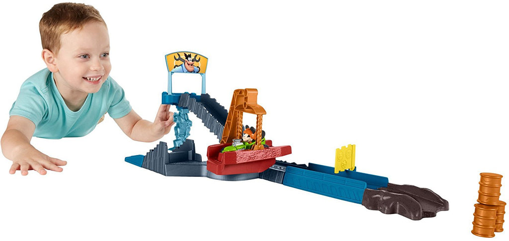 Mickey and the Roadster Racers Scrapyard Escape Playset