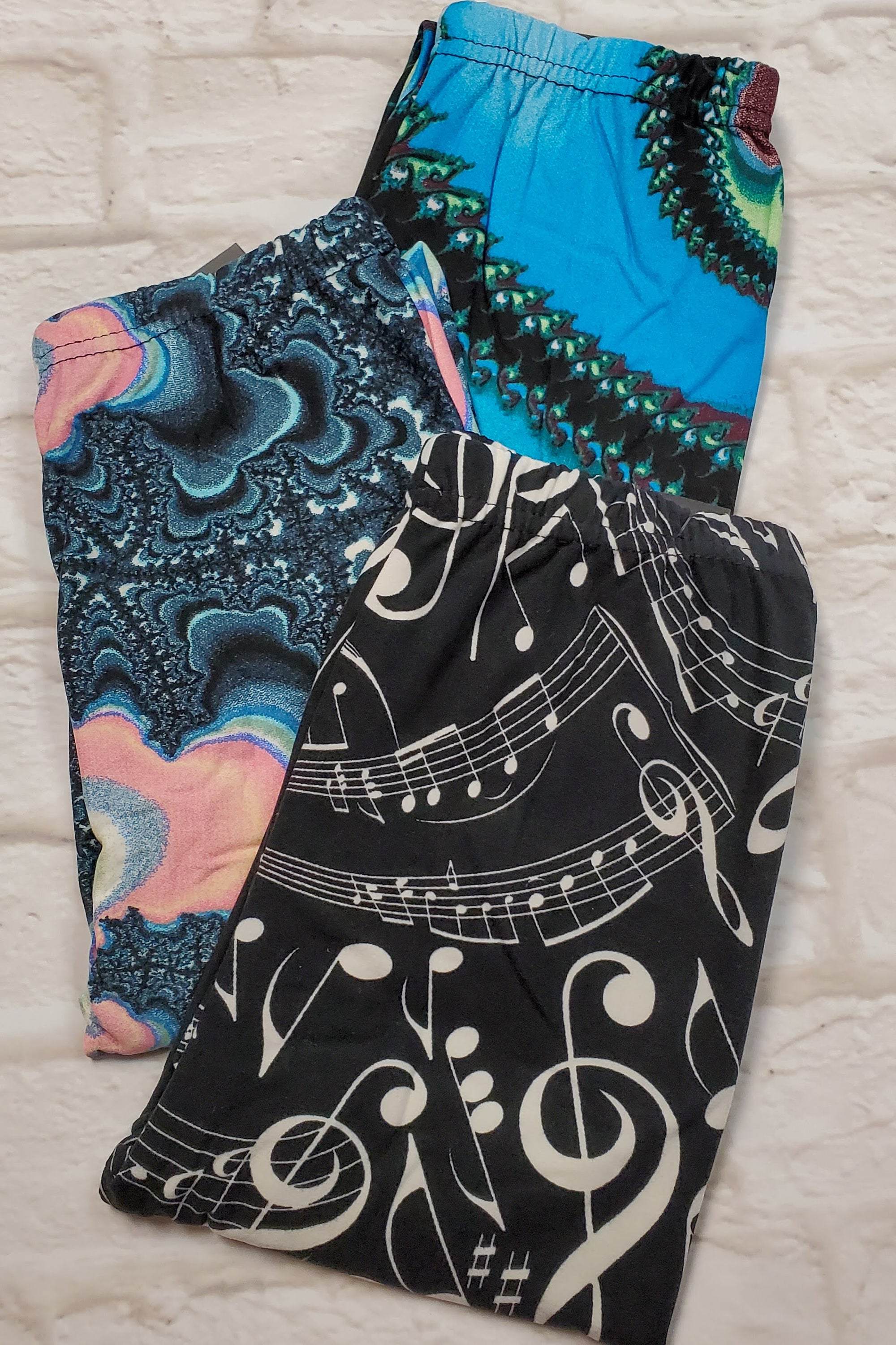 KIDS LEGGINGS CLEARANCE 3pk BUNDLE G Specialized S/M (as pictured)