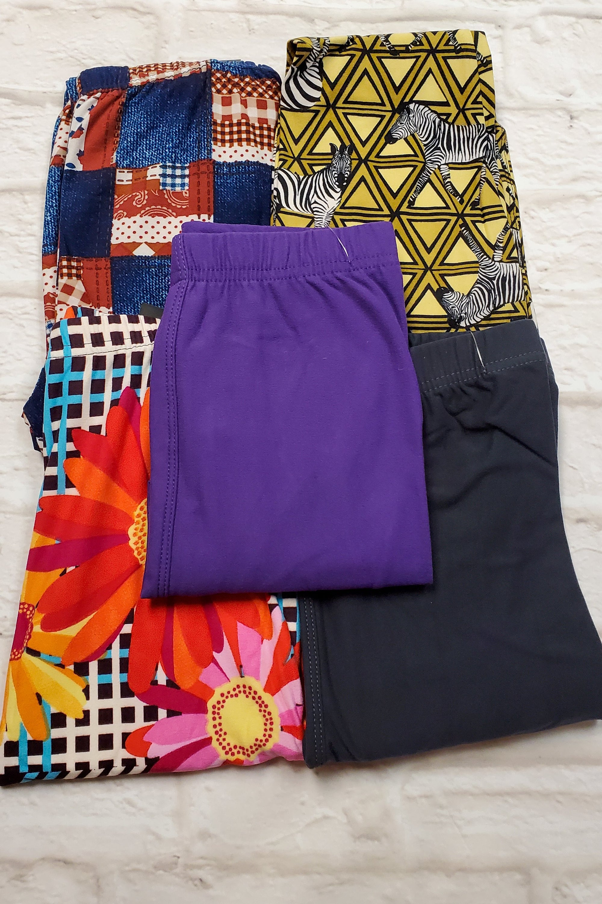 KIDS LEGGINGS CLEARANCE 5pk BUNDLE L Small (as pictured)