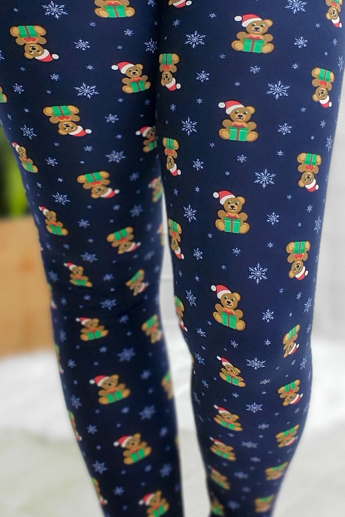 Teddy And Snowflakes Leggings