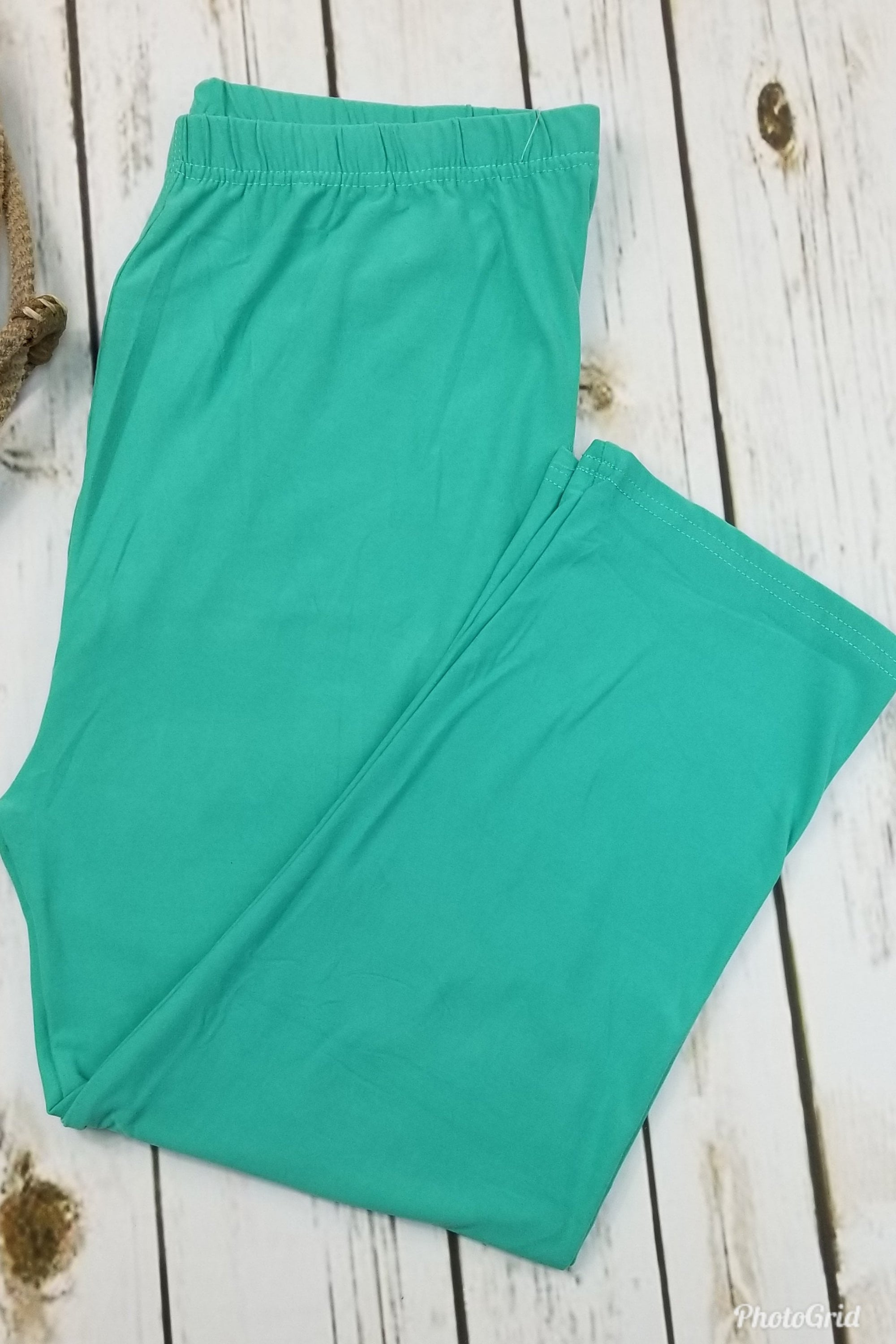 Capri Solid Mint