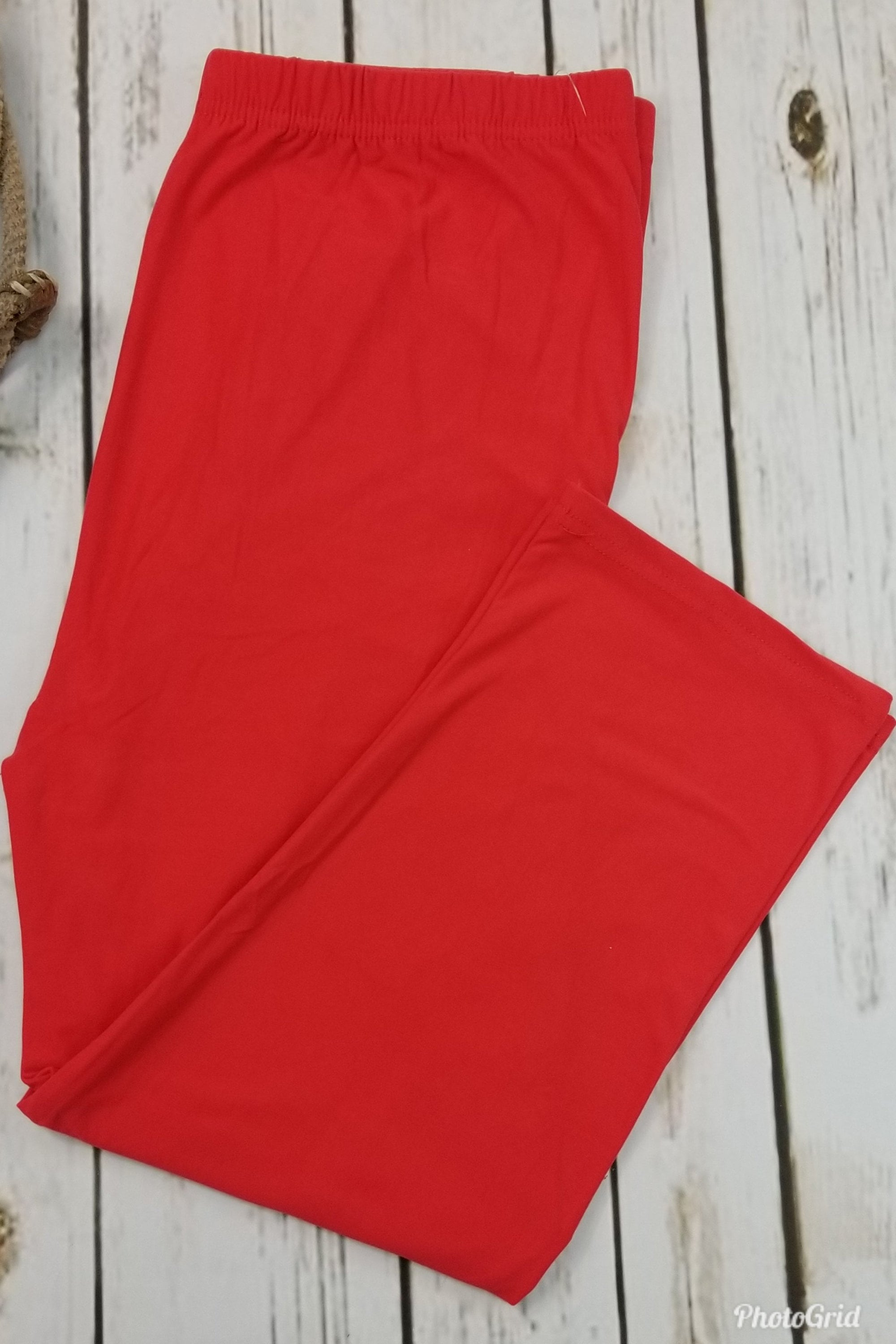 Capri Solid Red