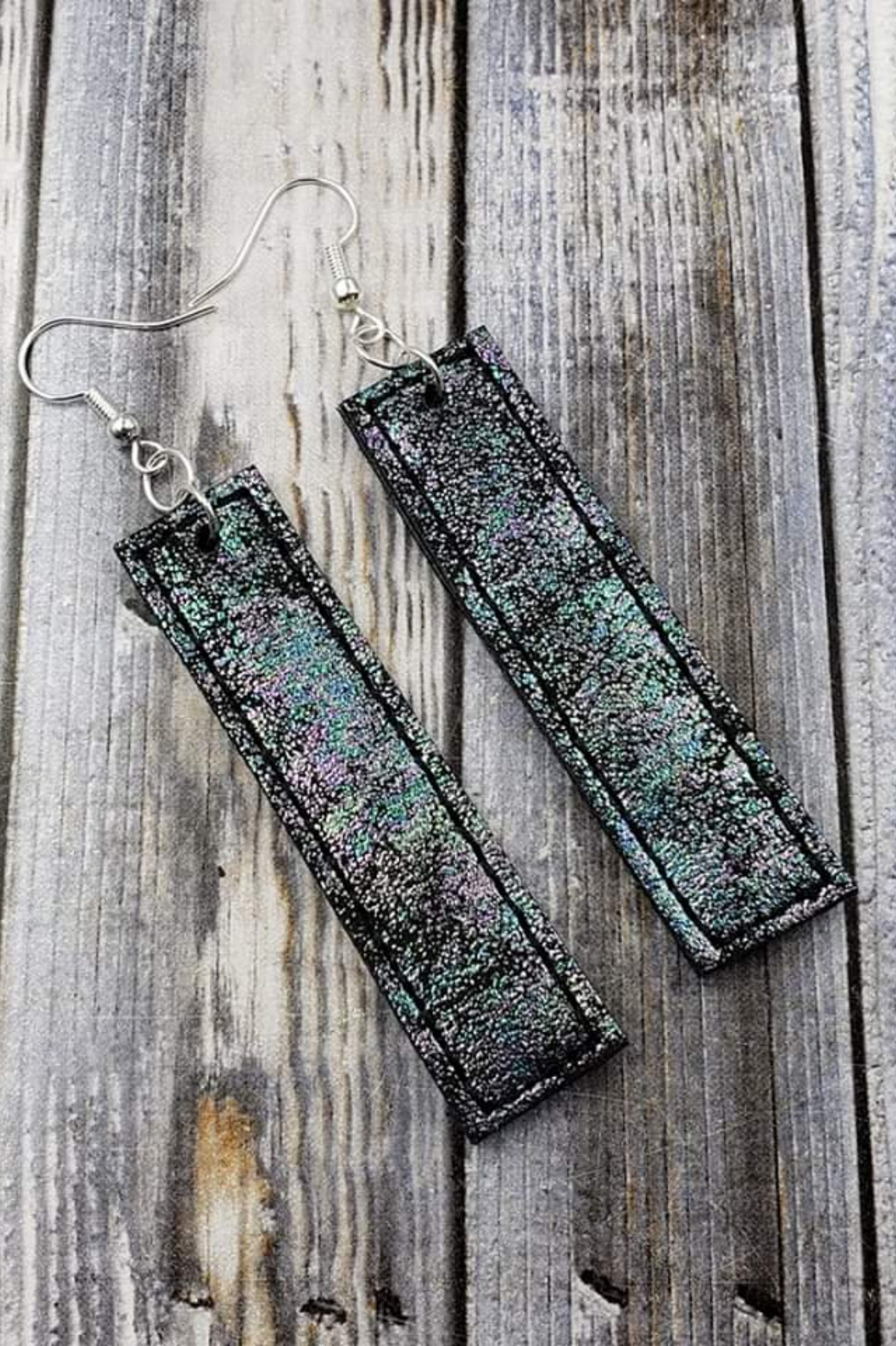 Iridescent Black Bar Handcrafted22 Earrings B-217