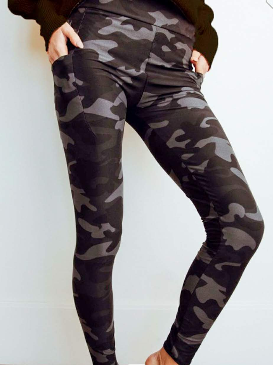 Dark Night Camo Pocket Yoga Band Leggings