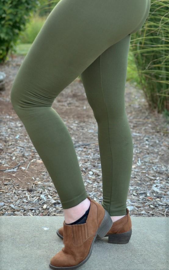Fleece-Lined Nylon Olive Leggings