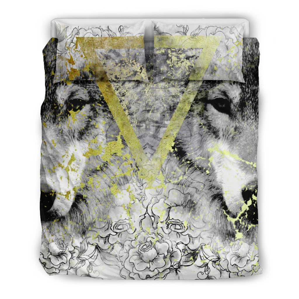 Geometric Wolves and Roses Beige Themed Bedding Sets (Includes Duvet Cover, Twin/Queen/King Size Bed Sheet & 2 Pillow Covers)