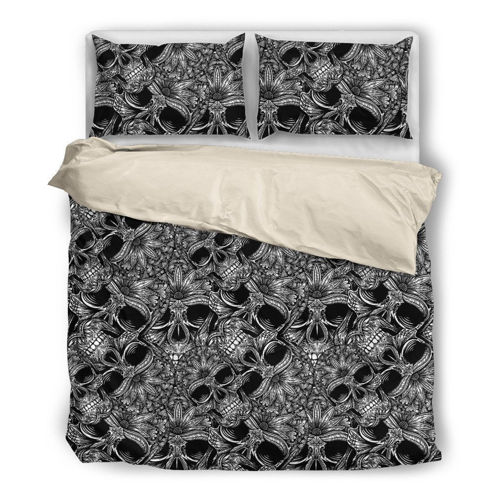 Black and White Skull Themed Bedding Sets (Includes Duvet Cover, Twin/Queen/King Size Bed Sheet & 2 Pillow Covers)